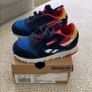 Reebok classic size 7 toddler